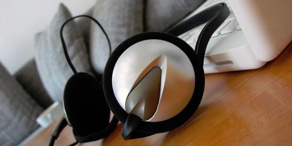 laptop music speaker